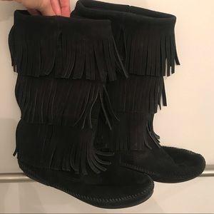 Minnetonka fringe suede boots